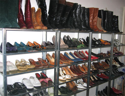 Vide_dressing_etageres_chaussures.jpg